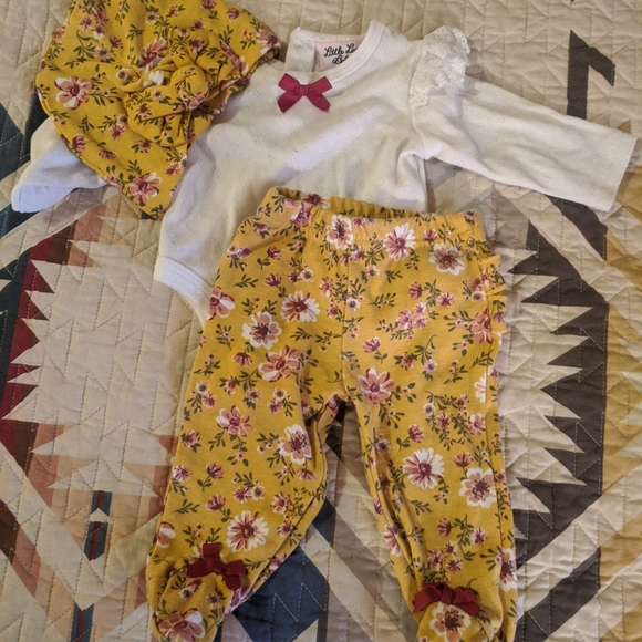 Little Lass Baby outfit 0-3m